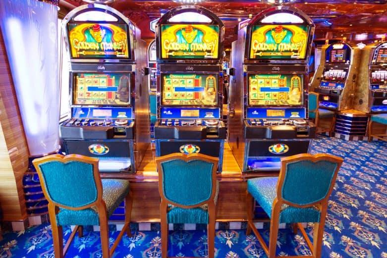 Spela Party Line Spelautomat på nätet på Casino.com Sverige